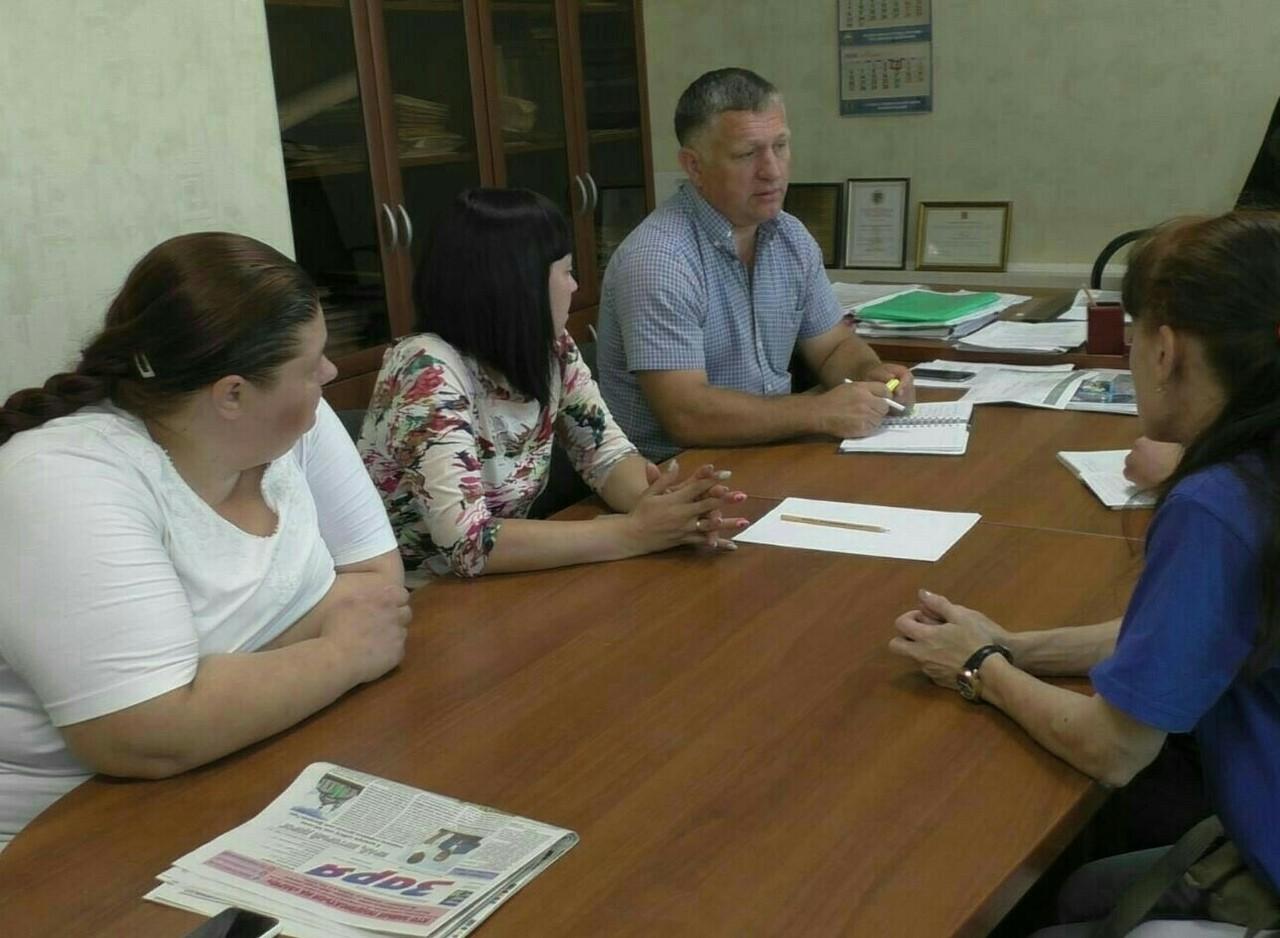 Глава поселка Новозавидовский выразил готовность помогать волонтерам